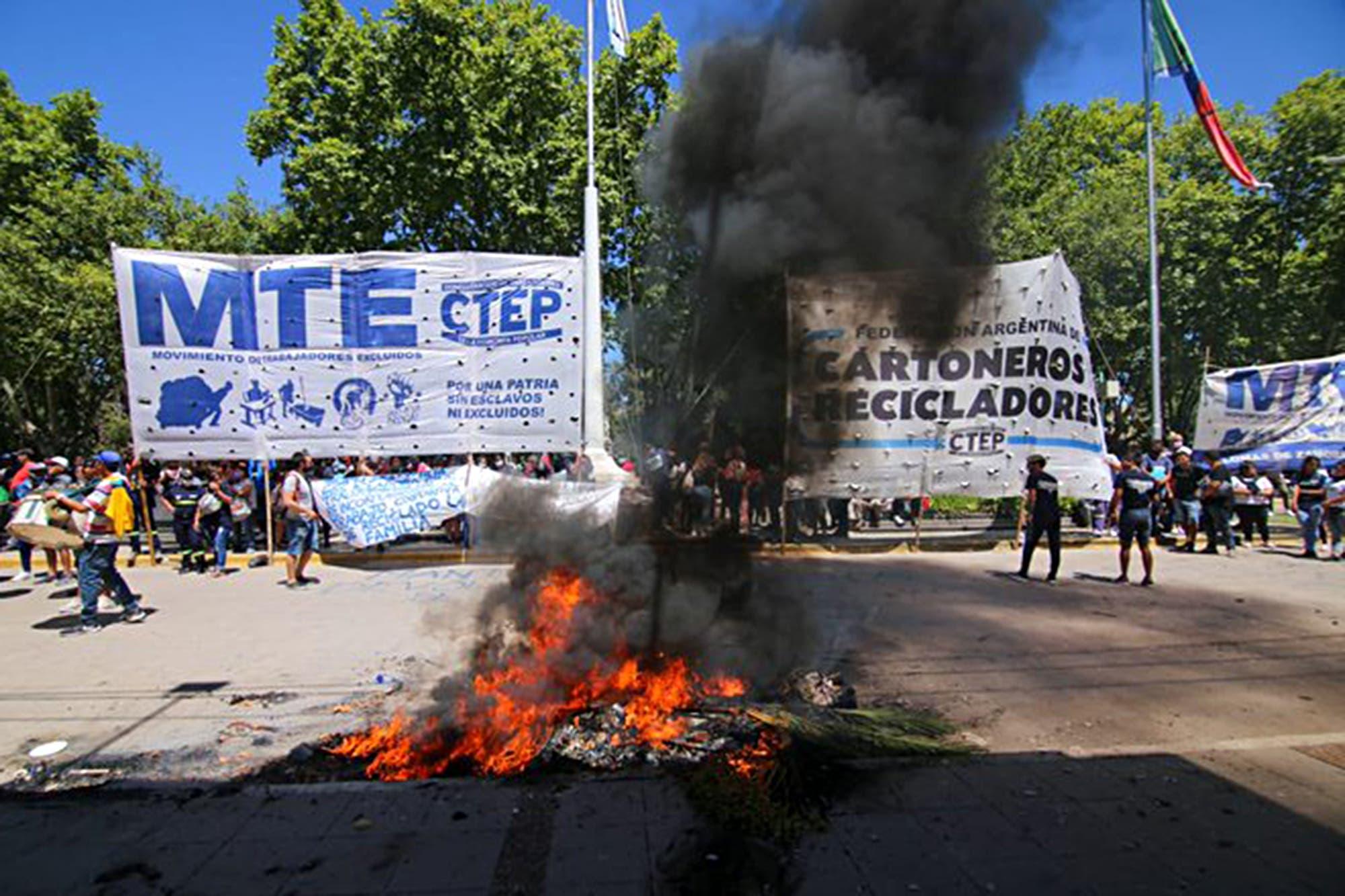 """""""Patoterismo y gorilaje"""": el acalorado cruce entre Grabois e Insaurralde"""