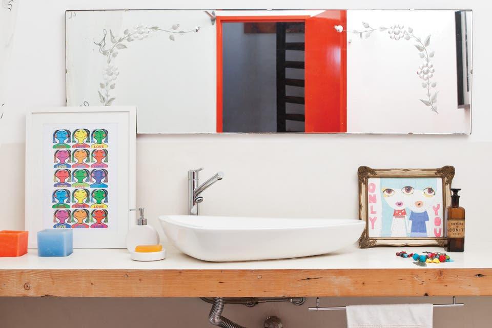 Un baño hecho con paciencia artesanal