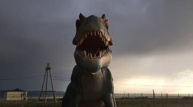 """""""Esta foto fue tomada el primer día de mi partida hacia el desierto de Gobi, en la Ruta de la Seda. En el camino me perdí con mi conductor y con el guía mongoles, y nos encontramos en esta zona conocida por los primeros rastros de dinosaurios. La atmósfera era mágica"""""""