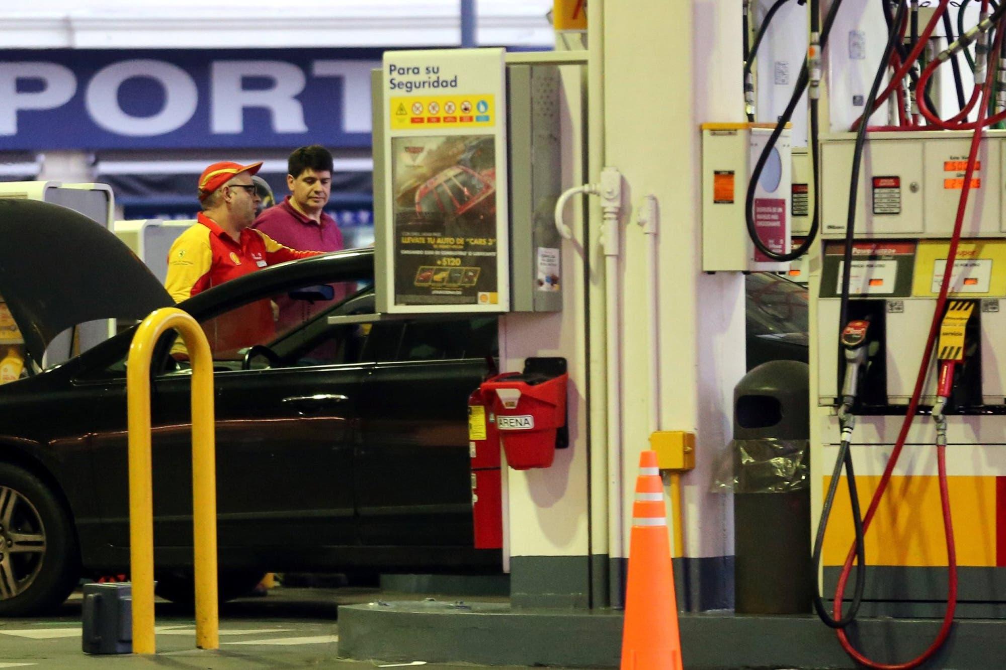 Shell baja 2,7% la nafta desde mañana y el Gobierno cree que ya se alcanzó un precio de equilibrio