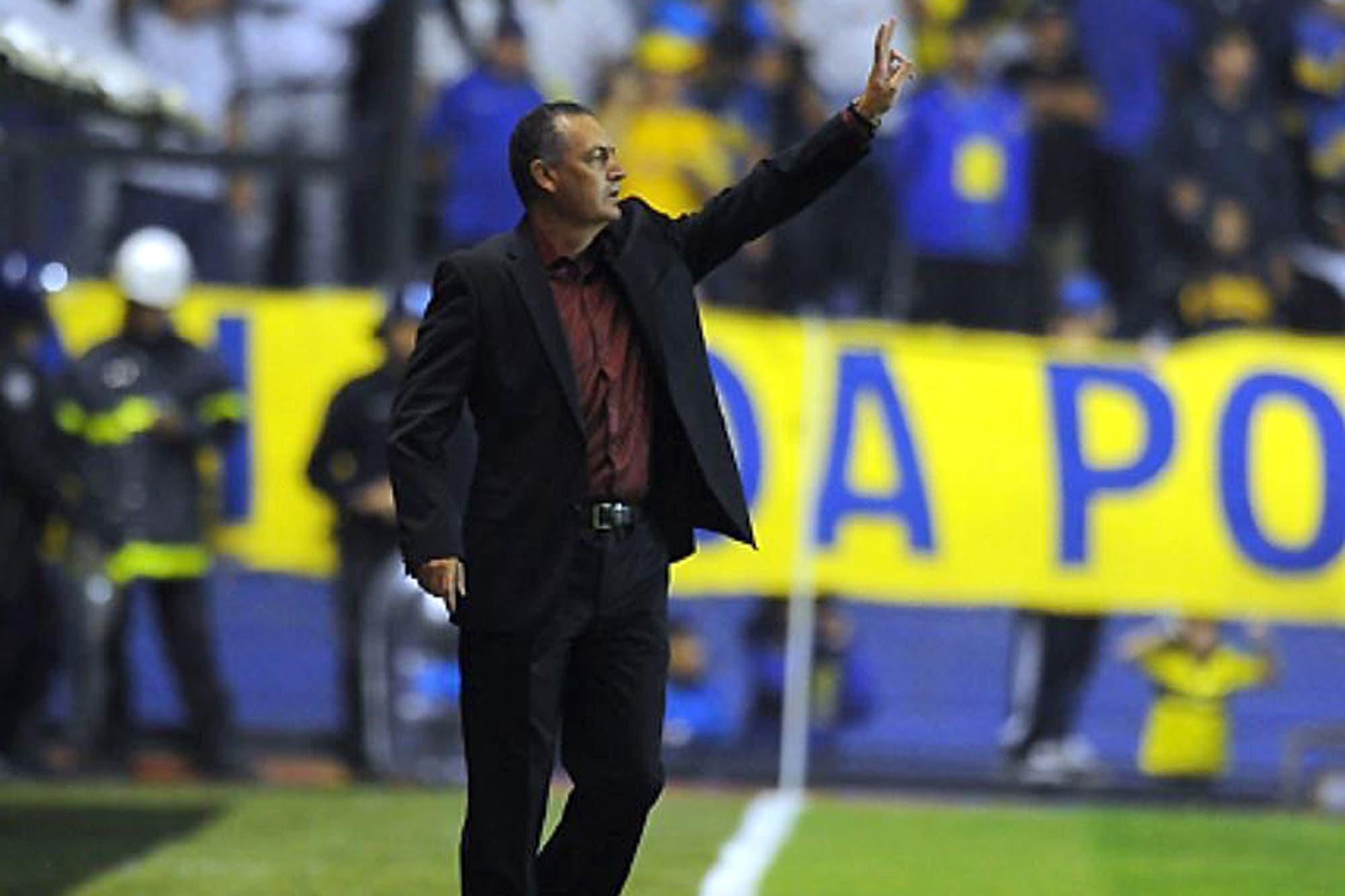 Cómo juegan los equipos de Gustavo Alfaro: qué esquema podría verse desde el inicio en Boca