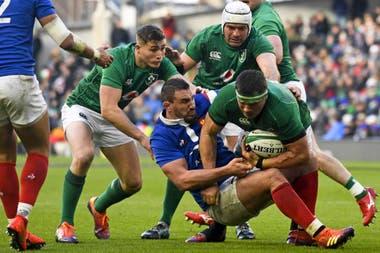 Irlanda la tiene difícil: debe vencer a Gales como visitante y ser ayudado por una victoria de Escocia en Londres.