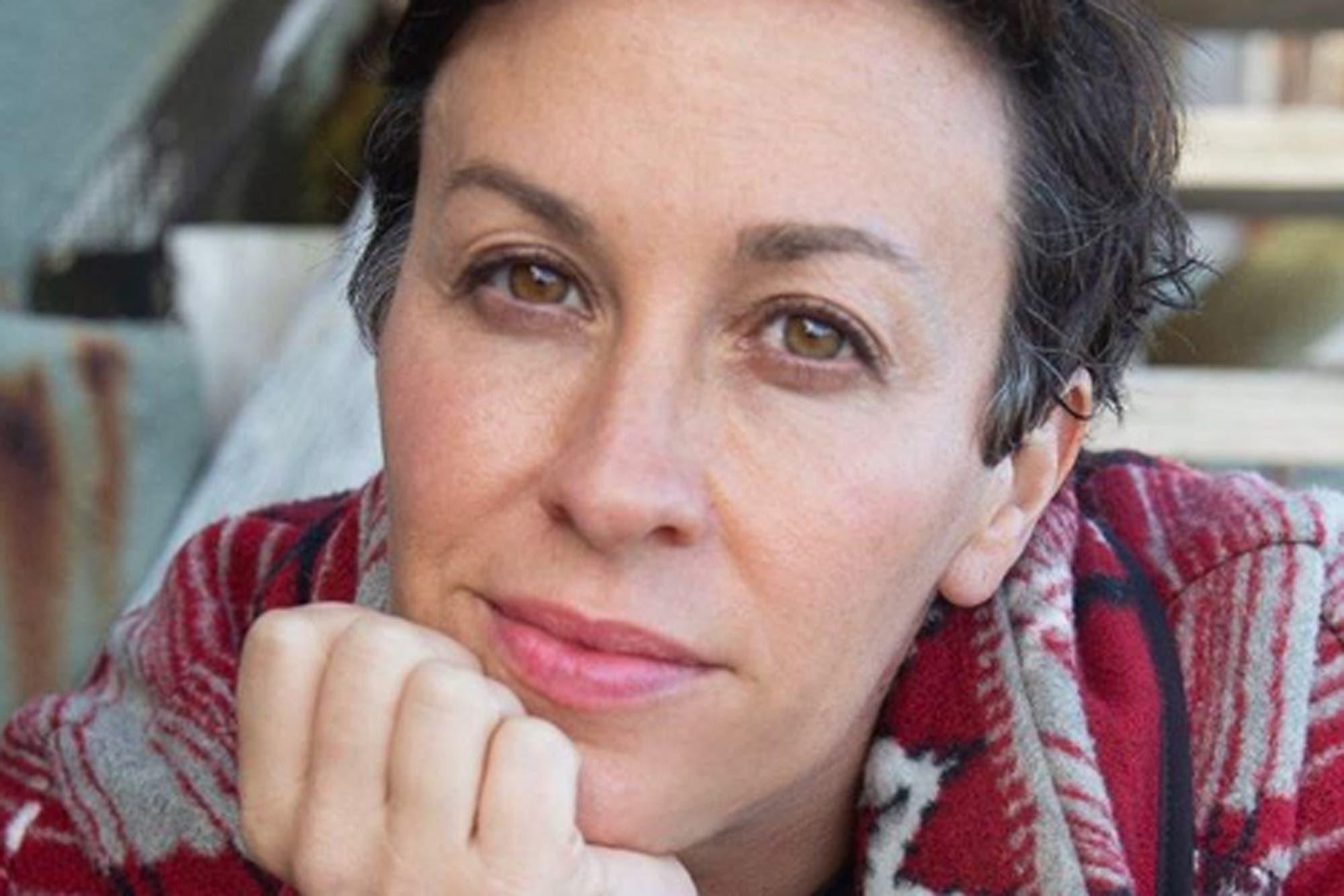A los 44 años, Alanis Morissette espera su tercer hijo