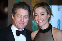 Hugh Grant agredió a una funcionaria italiana y quedó registrado en un video
