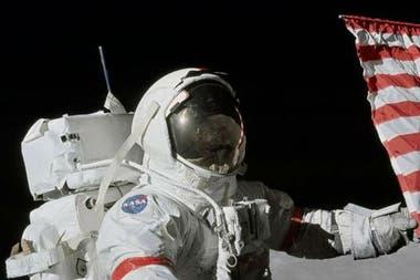 Gene Cernan fue la undécima persona en caminar sobre la Luna, en diciembre de 1972