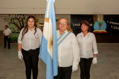 Delia Acosta, a la bandera