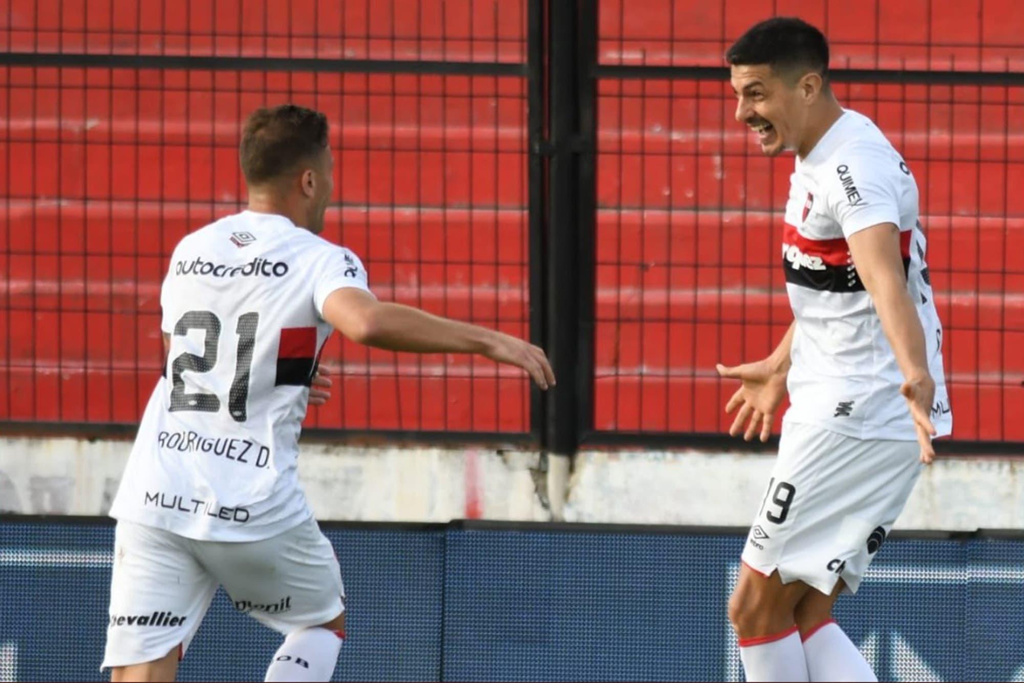 Newell´s sube la apuesta: venció a Patronato y mira más la punta de la Superliga que la zona del descenso