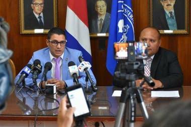 Autoridades de salud de Costa Rica realizaron una conferencia de prensa horas después de confirmarse el caso de Brasil