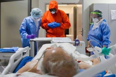 En estudios con animales se había demostrado que el Remdesivir es eficaz en el tratamiento de otros coronavirus mortales.