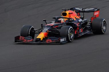 Verstappen no logró sacar provecho de la pinchadura de Hamilton