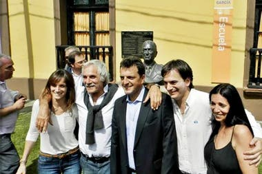 Malena Galmarini, Fernando Galmarini, Sergio Massa, Sebastián Galmarini (miembro del directorio del Banco Provincia) y Marcela Durrieu