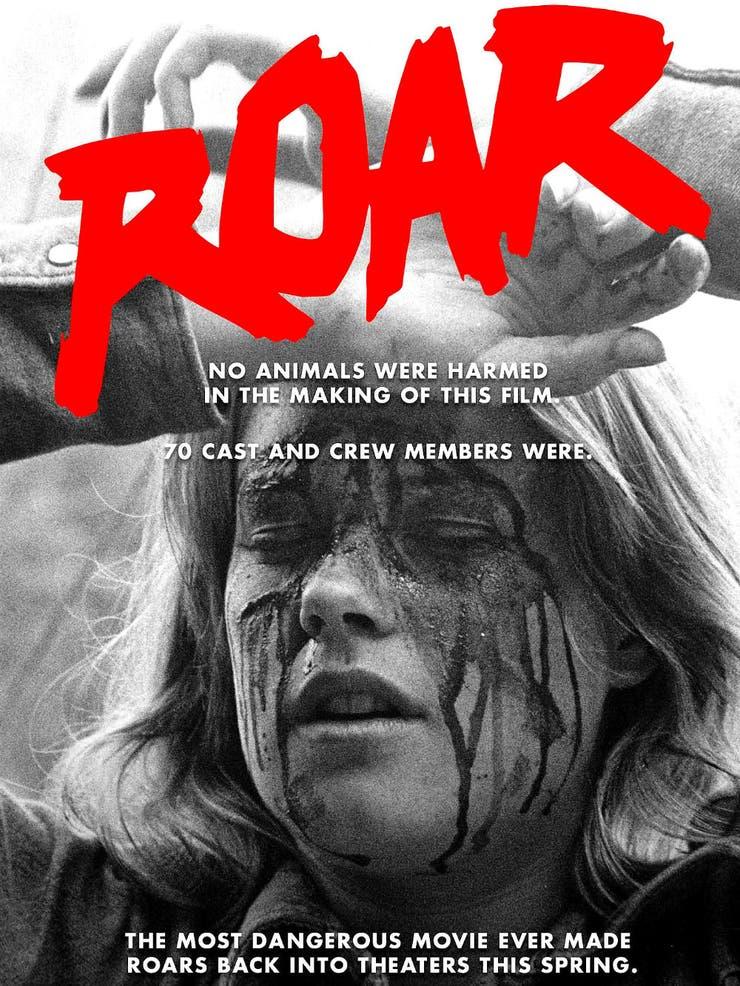 El afiche de Roar, al momento de su relanzamiento