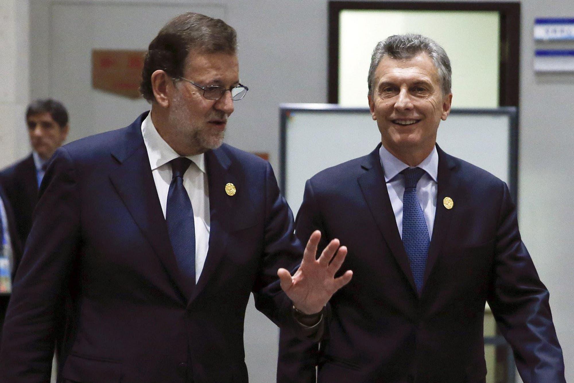 Resultado de imagen para Rajoy llegó al país