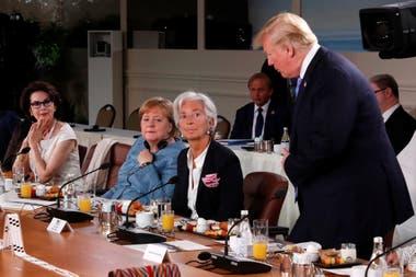 En Singapur, el presidente de EE.UU. se refirió a la foto con los líderes del grupo