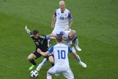 Messi el más marcado del partido