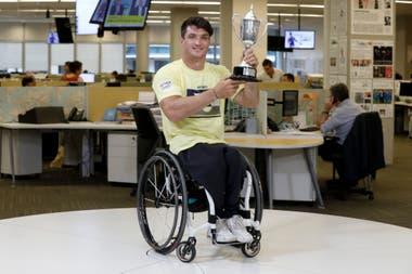 El Lobito Fernández, en la redacción de La Nación, después de ganar el Abierto de Australia