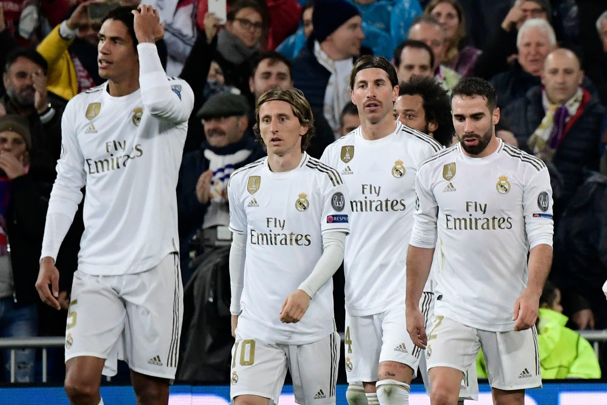 Polémica y decepción: Real Madrid ganaba por 2-0 y PSG se lo igualó en dos minutos y se quedó con el primer lugar del grupo