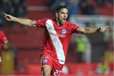 Hauche celebrando el gol del empate frente a Patronato