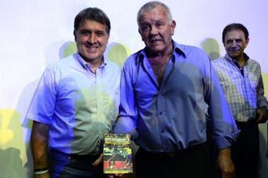 Con Gerardo Martino, su querido capitán en aquel Newell´s, durante la presentación de su libro.