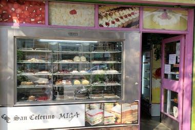 San Ceferino, la puerta de la panadería de más de 80 años