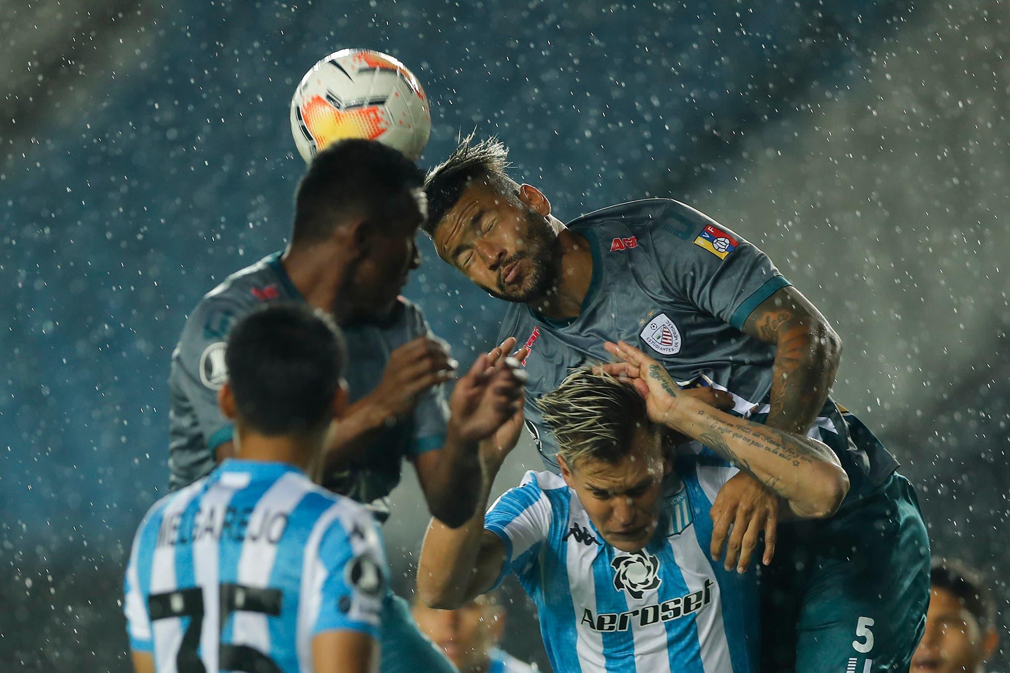Racing-Estudiantes de Mérida, por la Copa Libertadores: el equipo de Beccacece falló un penal, empata y por ahora se queda en el segundo lugar