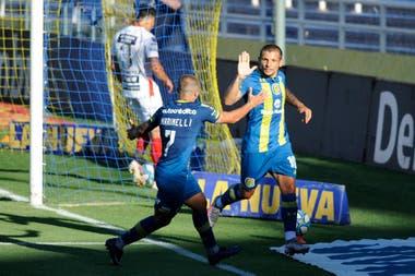 Rosario Central le ganó 4 a 0 a Patronato.