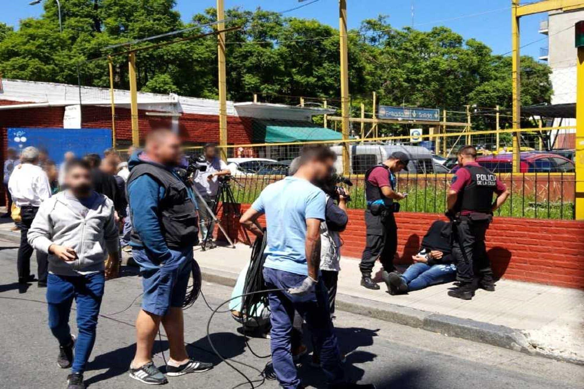 Seis motochorros atacaron en el centro porteño y se llevaron $100.000