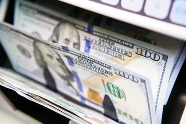 2.600.000 personas, cifra récord y sin precedente para un mes, se lanzó a comprar dólares para capturar la mayor porción del cupo de US$200 permitido