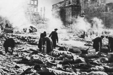 Más de 25.000 personas murieron en los ataques sobre Dresde. Muchos de ellos, asfixiados por el fuego
