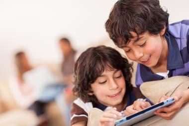 A las actividades y los talleres se accede mediante tablets, computadoras y celulares