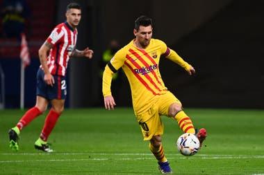Messi, en acción, contra el equipo de Simeone