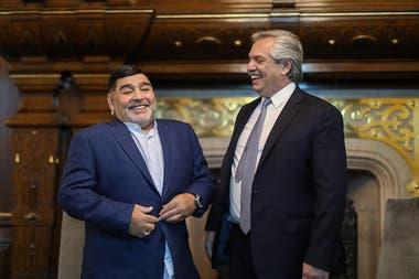 El Presidente se enter de la noticia de la muerte de Diego Maradona cuando estaba reunido con Santiago Cafiero