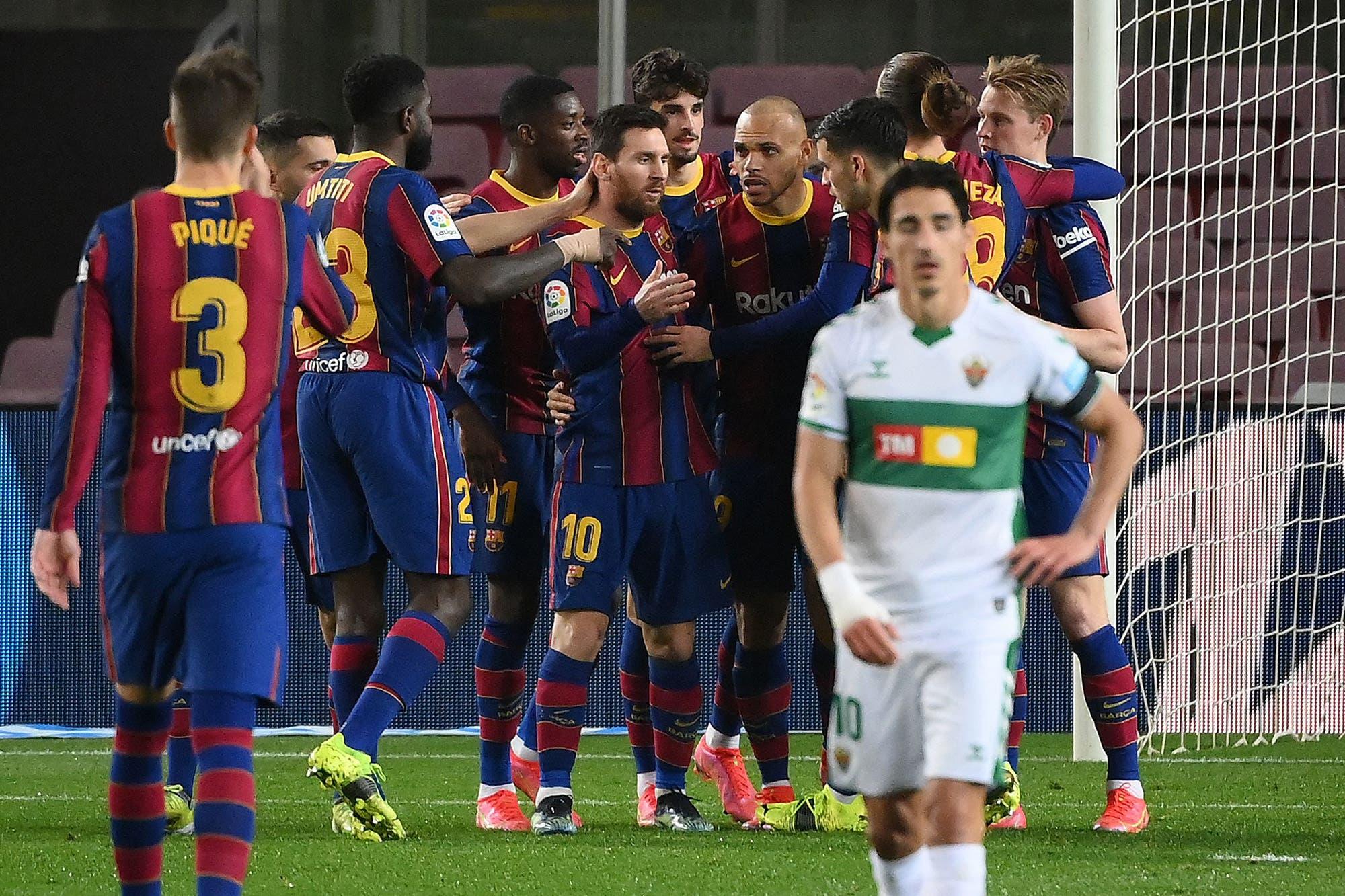 Con dos goles de Messi, Barcelona le ganó a Elche y se acercó a la punta en la liga de España
