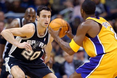 Manu Ginóbili, en su debut en la NBA ante LA Lakers