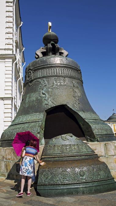 La extravagante campana de Tsar Kolokol, en el Kremlin