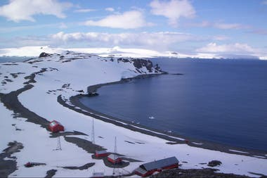 Otra salida laboral para el geólogo es la investigación. La imagen fue tomada por Claudio Parica en una de sus 20 campañas a la Antártida