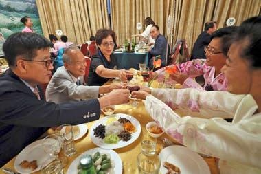 Las familias aprovecharon para brindar por el encuentro