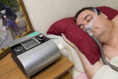 Muchas personas con problemas respiratorios necesitan unas máquinas que son costosas y que los sistemas de salud pública no necesariamente suministran