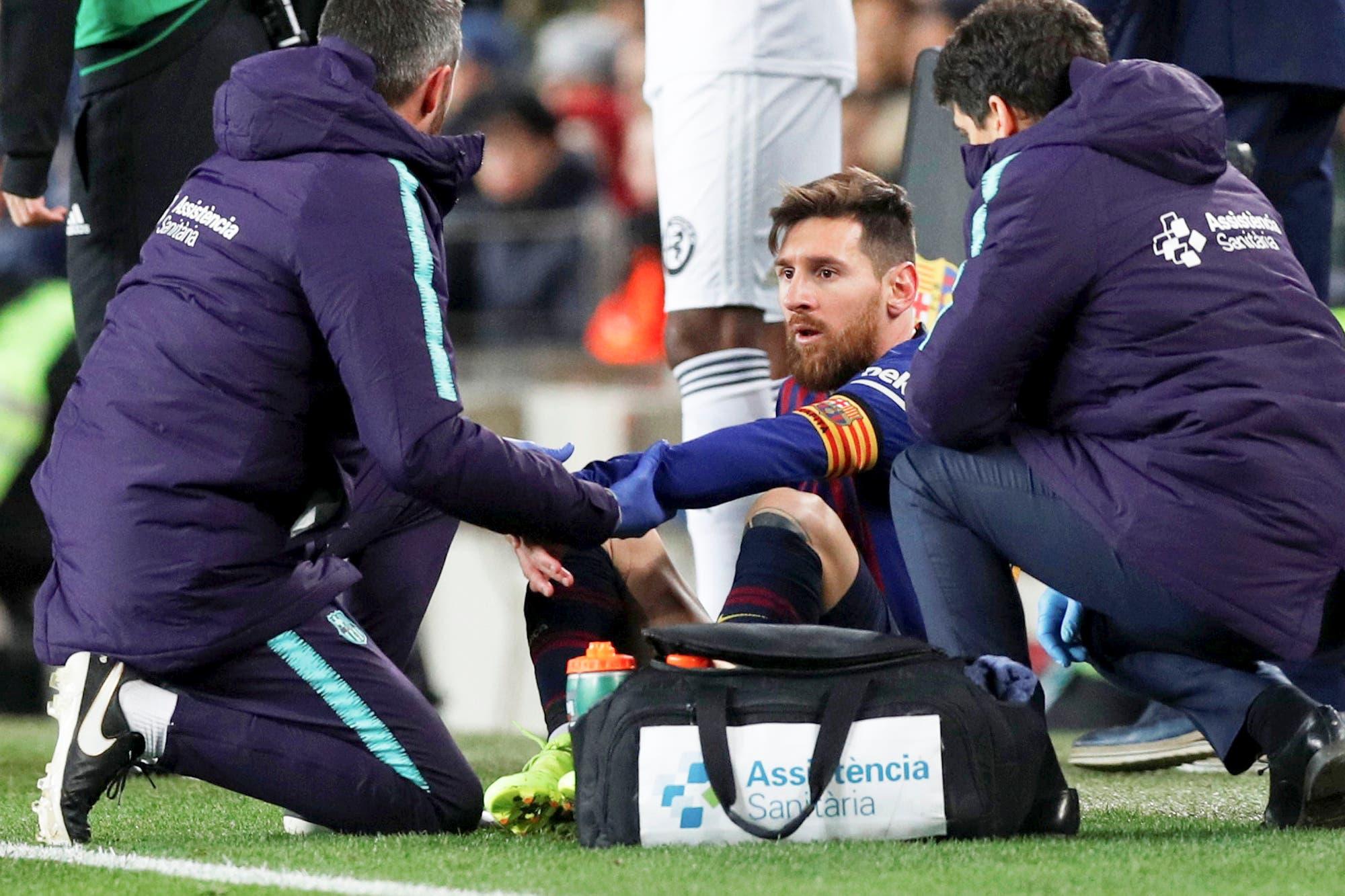 Alarma en Barcelona: Messi sufrió una molestia y está en duda ante Real Madrid por la Copa del Rey