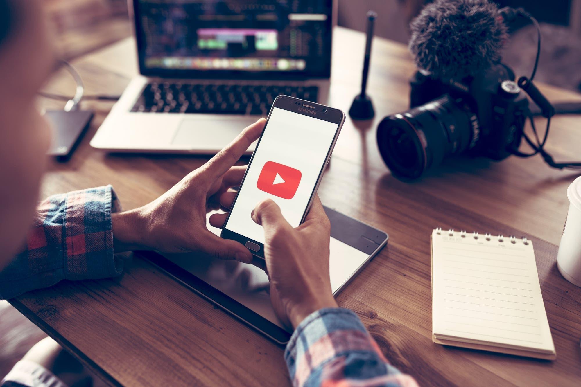 Con el apoyo de los metalúrgicos alemanes, un sindicato de youtubers desafía a Google