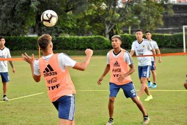El equipo de Fernando Batista ya se entrenó de cara al partido frente a Colombia