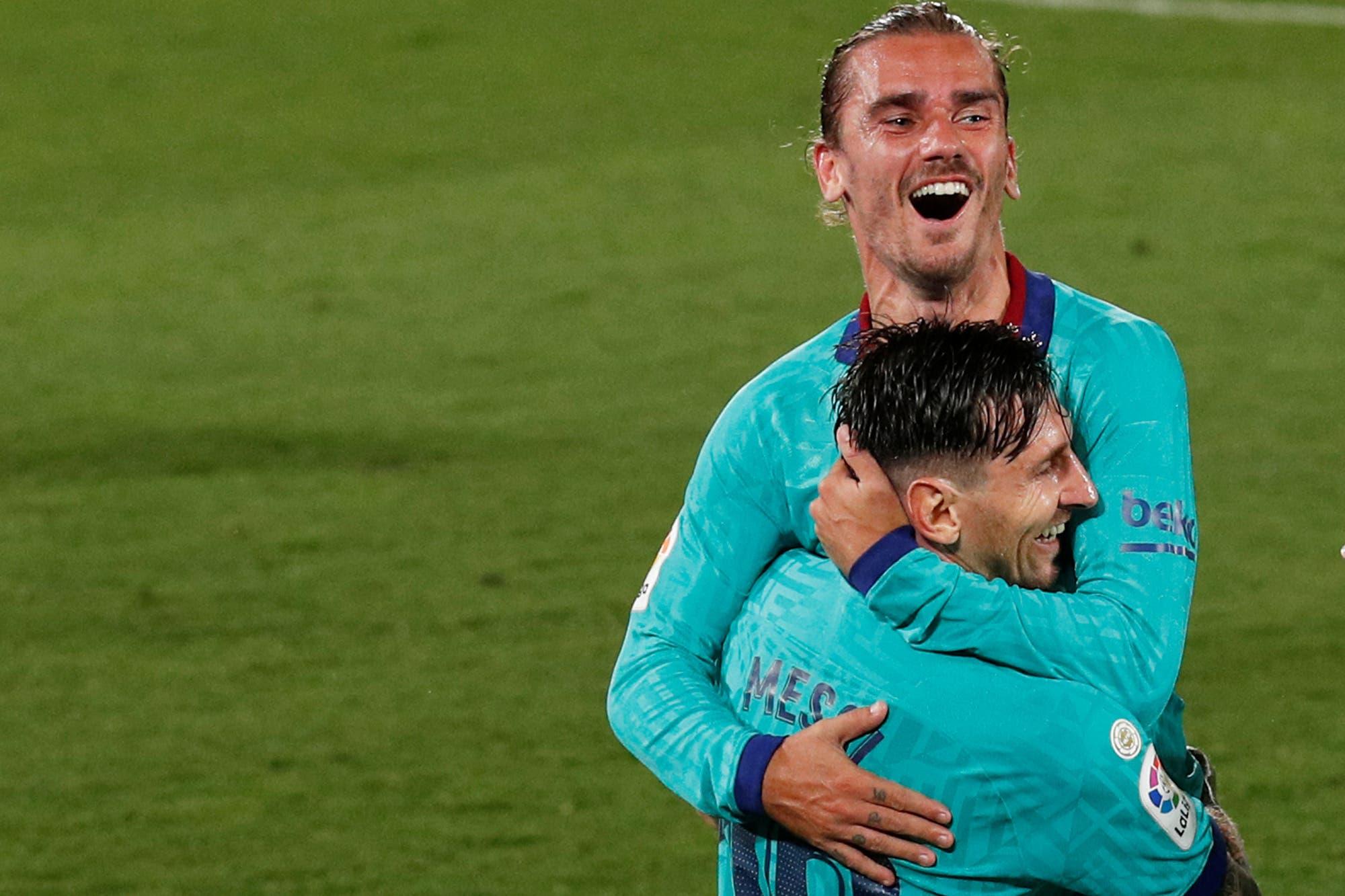 Lionel Messi y Antoine Griezmann: un abrazo, la reivindicación del francés y un golazo con taco y 'vaselina'