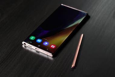 El Galaxy Note20 Ultra tiene una pantalla de 6,9 pulgadas con una actualización máxima de 120 Hz, pero es capaz de pasar a modos de menor frecuencia según el tipo de contenido visualizado