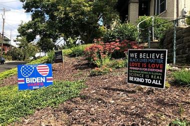Carteles de campaña en los suburbios de Pittsburgh