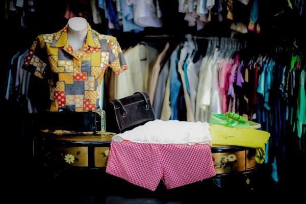 afc4f73b6 Ferias americanas: cómo y dónde vender tu ropa - LA NACION