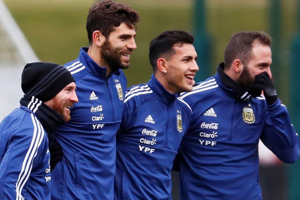 Messi, Fazio, Paredes, Higuaín; de los cuatro, la Pulga es la única duda para el partido de hoy