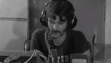 DJ Deke Duncan empezó con Radio 77 en 1974.