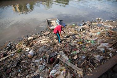 Los vecinos de la cuenca viven expuestos a altos niveles de contaminacin diarios