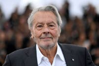 Alain Delon se recupera en Suiza de un accidente cerebrovascular