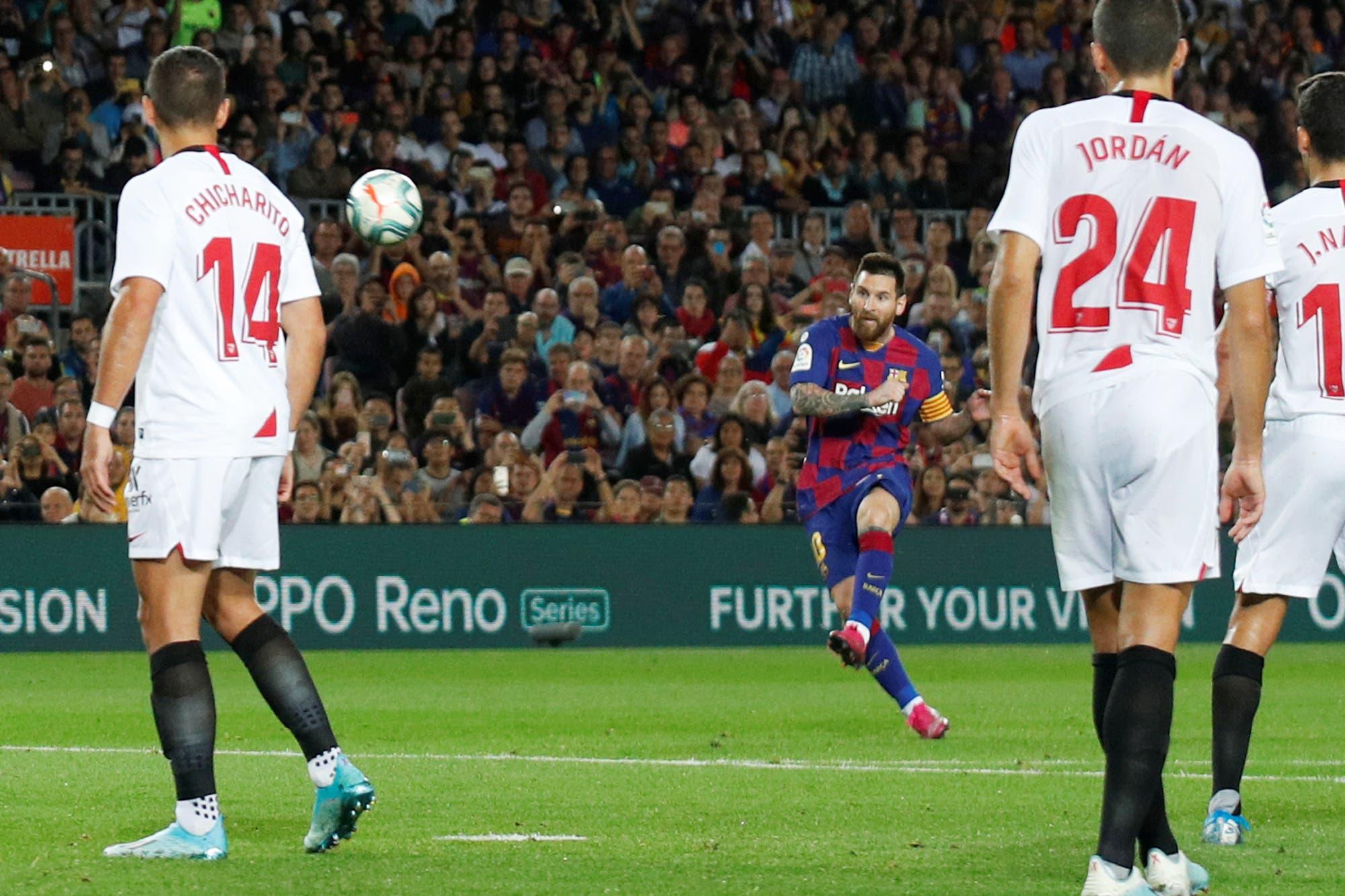 Golazo de Messi, chilena de Suárez y tres gritos en 8 minutos en el 4-0 de Barcelona sobre Sevilla